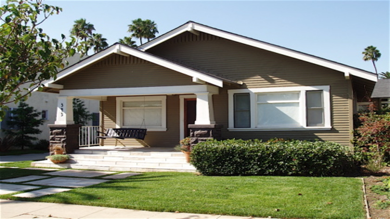 California craftsman bungalow style homes craftsman - What is a bungalow style home ...