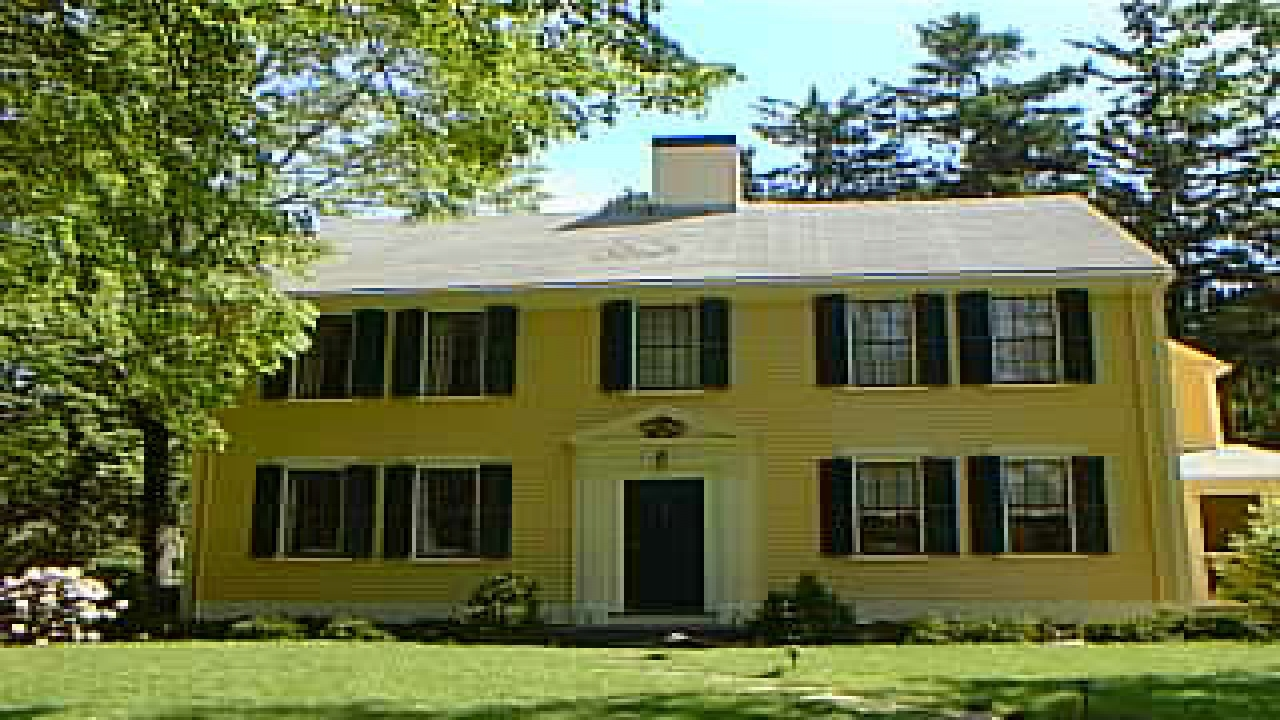 New england house 1600s new england colonial house styles for Colonial house style