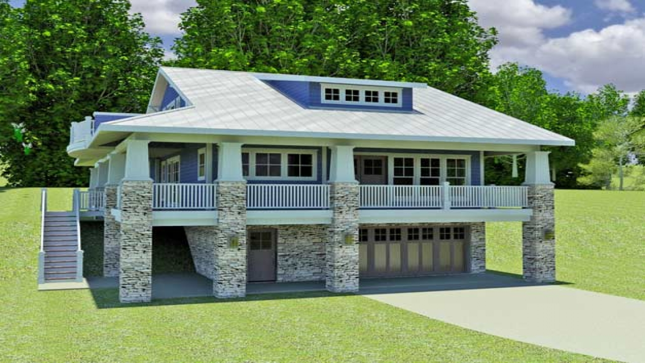 Small hillside house small hillside home plans vacation for Hillside cabin plans