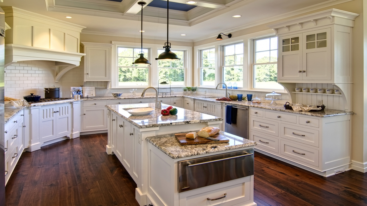 Beach house kitchen colors beach house kitchens with white for Beach house style kitchens