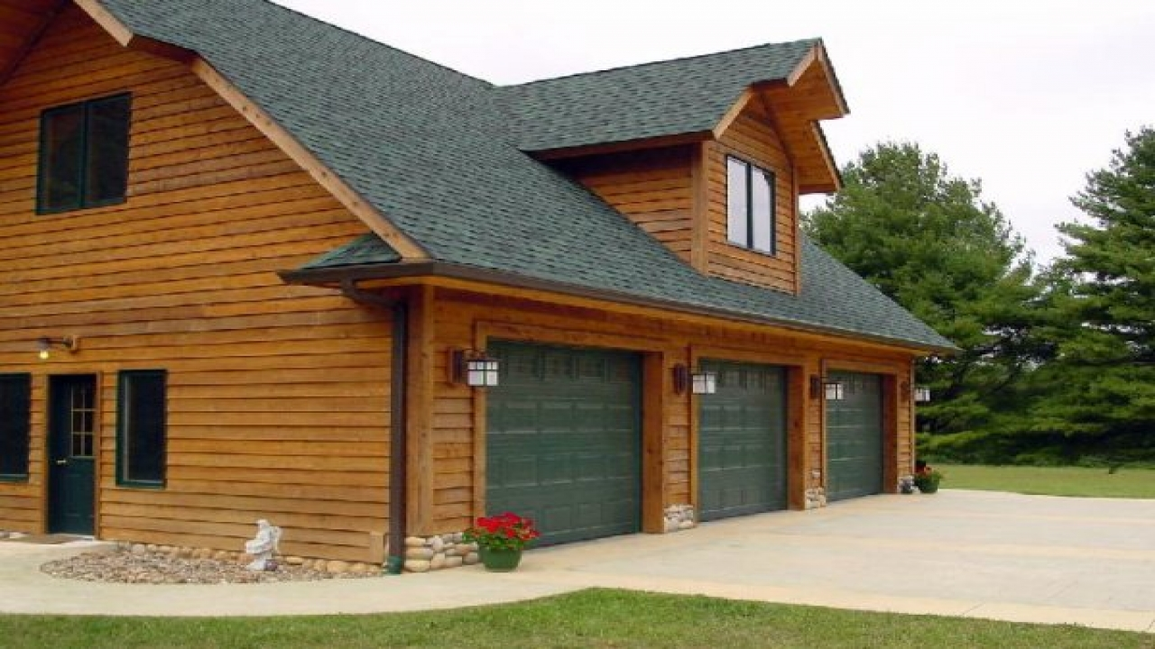 Garage house plans with living space chalet house plans for Chalet style homes with attached garage