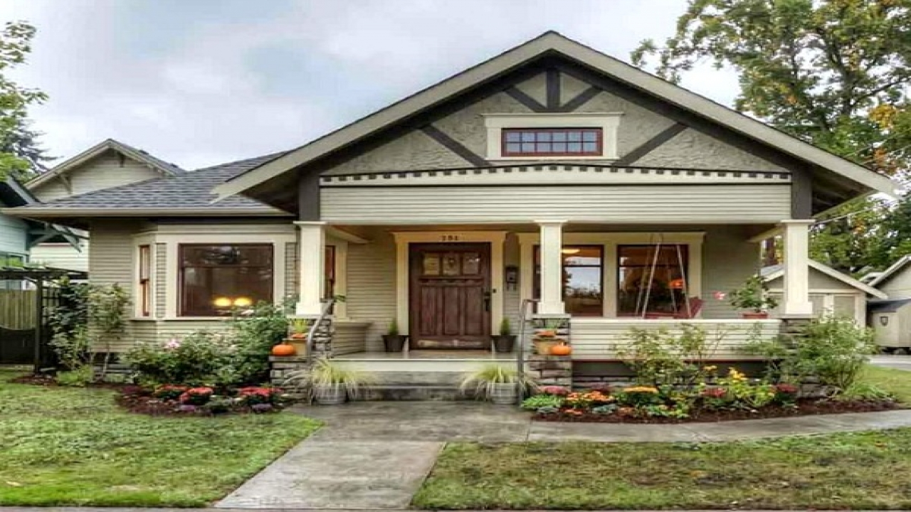 Small craftsman house exterior small craftsman bungalow for Small house exterior