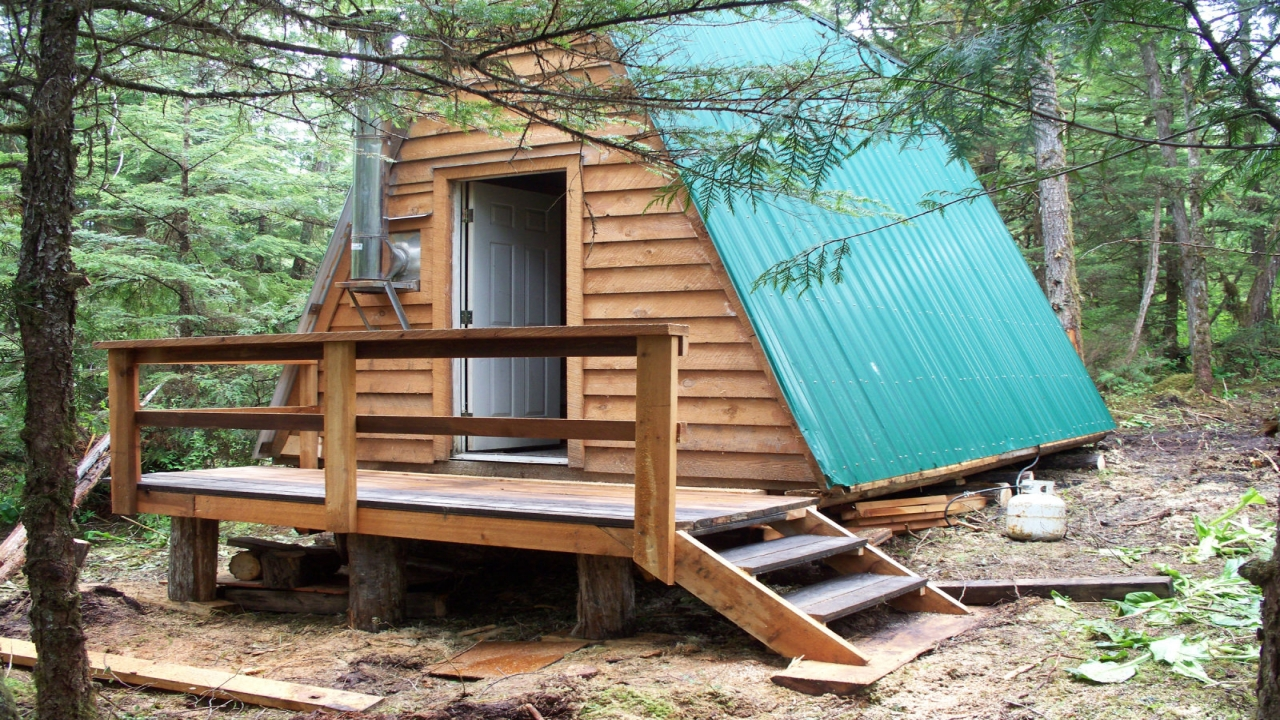 Small remote alaska cabins for sale alaska off grid cabin for Alaska fishing lodges for sale