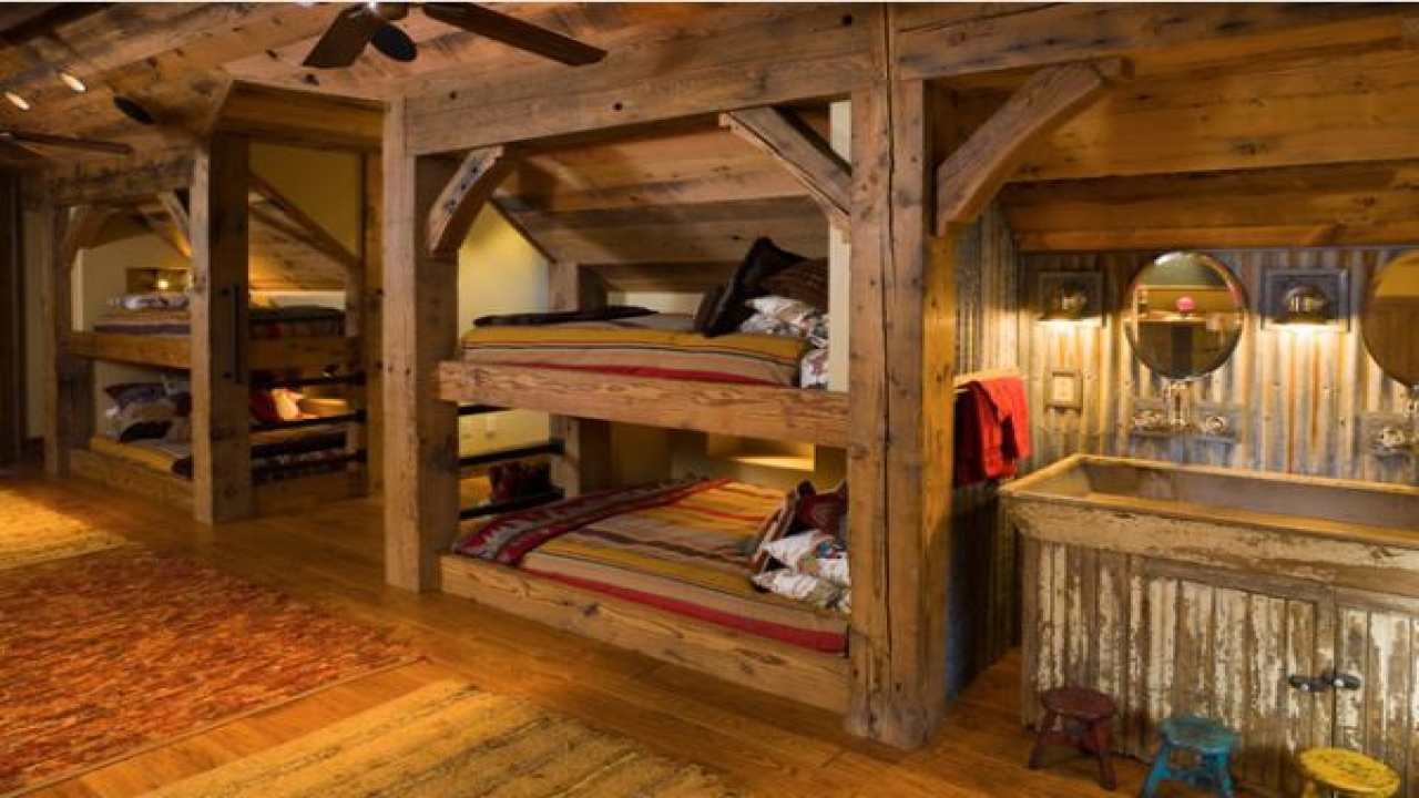 Rustic Wood Bunk Beds Rustic Wooden Bunk Beds Building A