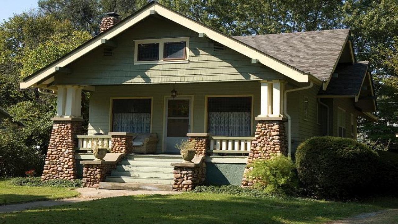 Craftsman and bungalow style homes craftsman homes - What is a bungalow style house ...