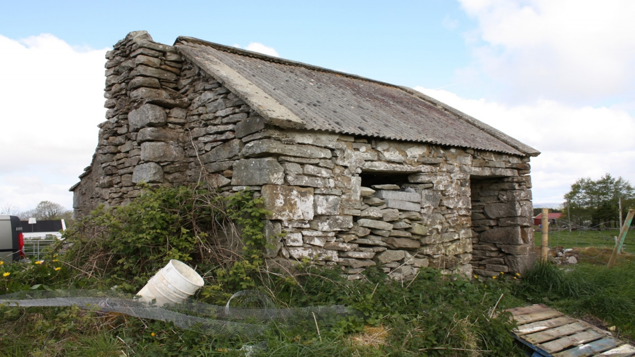 Irish cottage plans traditional irish stone cottage two for Traditional irish cottage designs