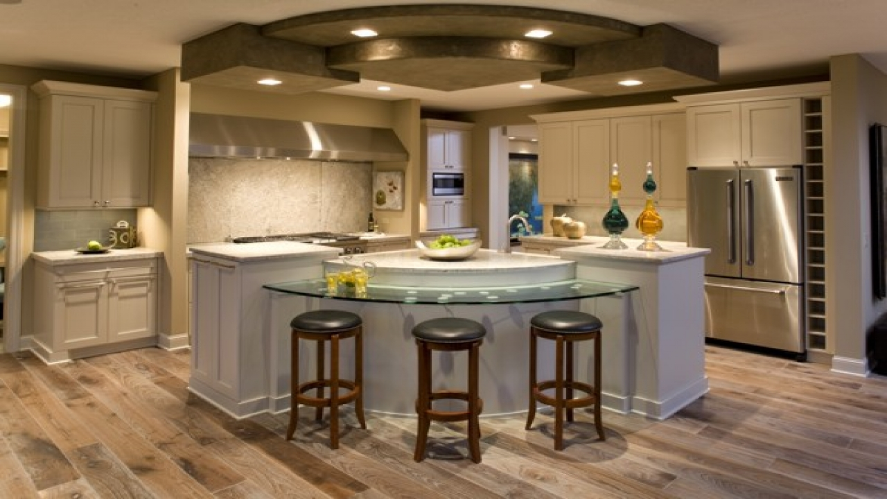 Kitchen island lighting ideas center kitchen island for Kitchen center island ideas