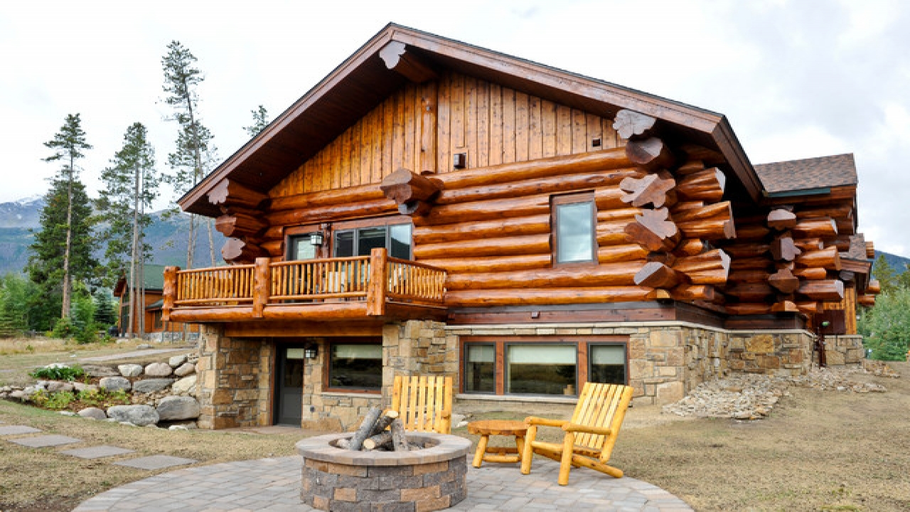 Eastern red cedar log homes western red cedar log home for Log cabin ranch home plans
