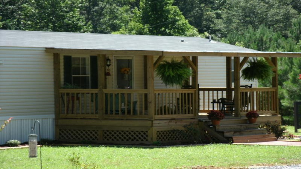 Castle view mobile home front porch mobile home front for Castle modular homes