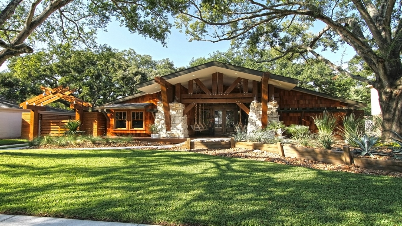 Craftsman bungalow style homes for sale ranch style homes for Ranch style bungalow