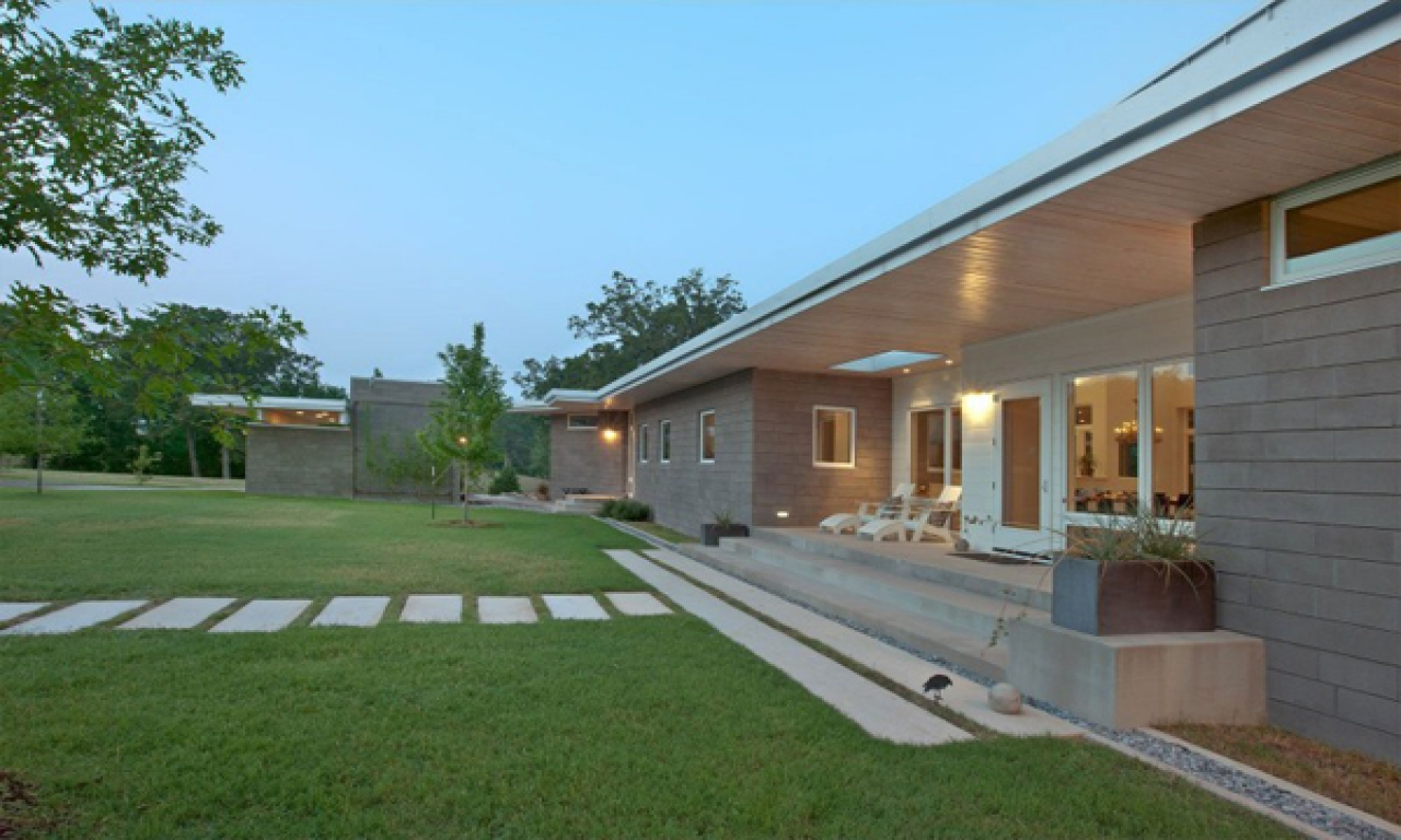Modern texas hill country homes modern texas ranch homes for Ranch style home builders in texas