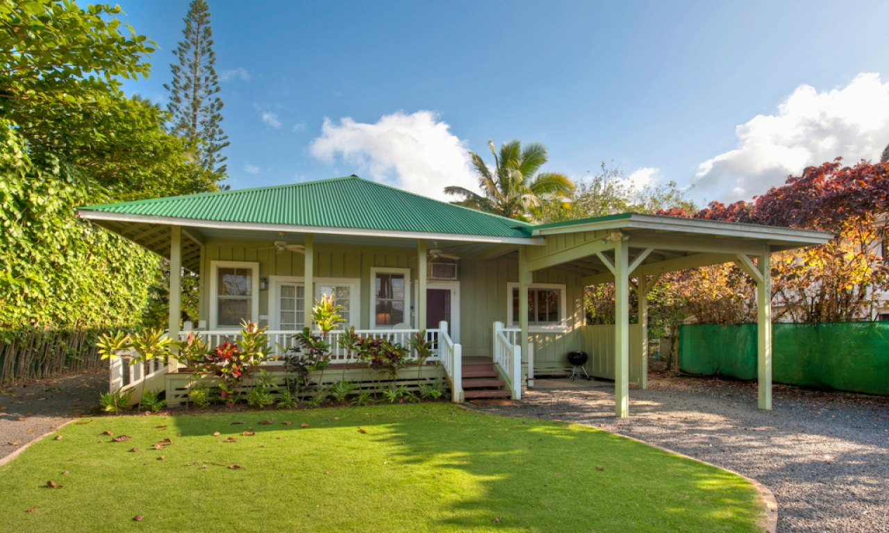 Plantation homes hawaii kits hawaii plantation style homes for Hawaiian plantation style homes