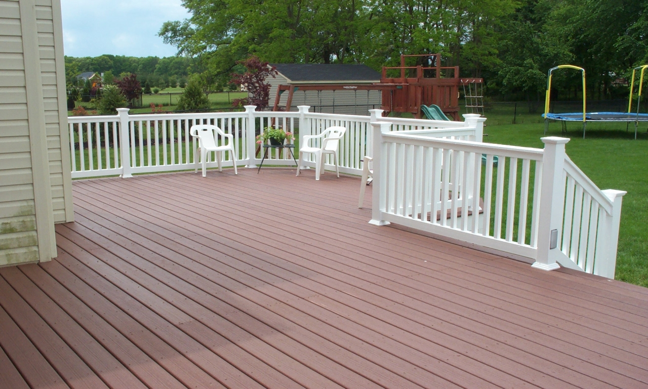 Composite deck designs composite decking picture of decks for Composite flooring for decks