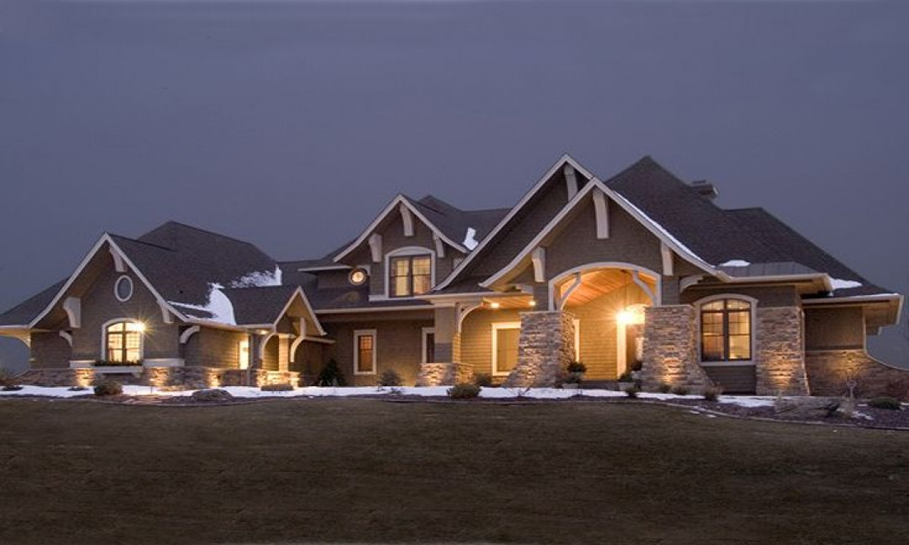 Home style craftsman house plans craftsman style home for Craftsman luxury homes