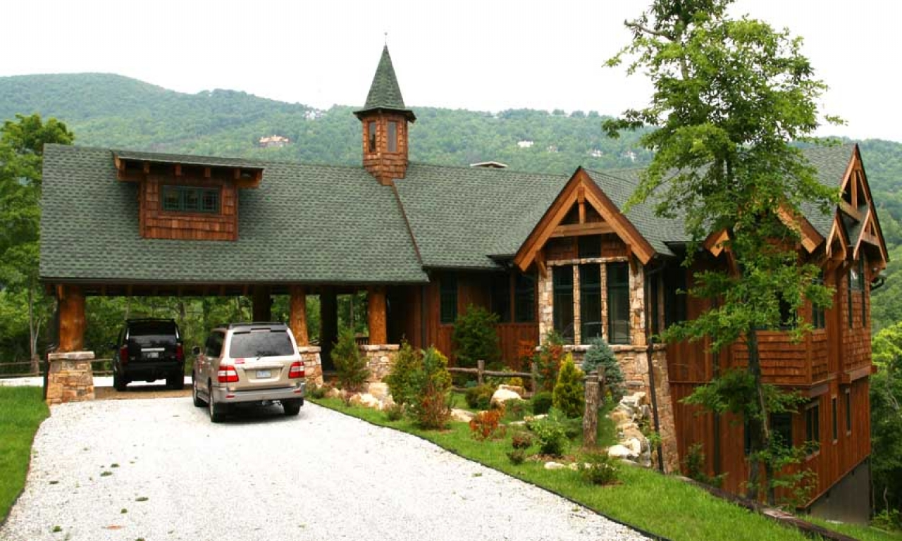 Rear view adirondack mountain house adirondack mountain for Mountain lodge home plans