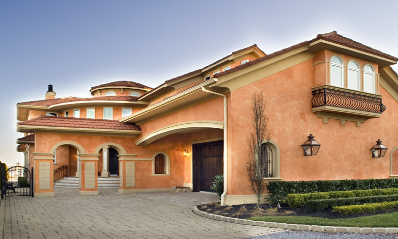 Mediterranean style house colors for homes one story for Mediterranean house