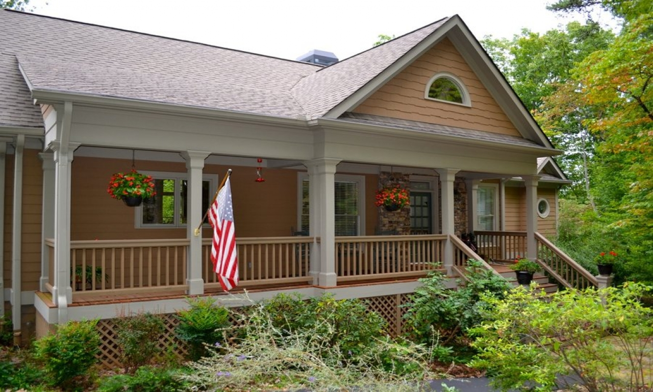 Front screened in porch cabin plans glassed in front porch for Cottage house plans with front porch