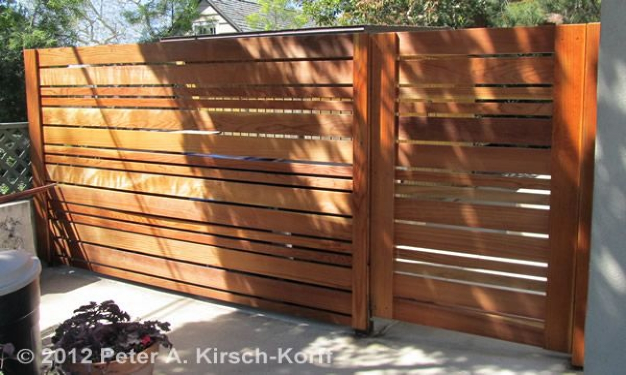 Horizontal wood fence styles horizontal plank fence for Custom home plans with cost to build