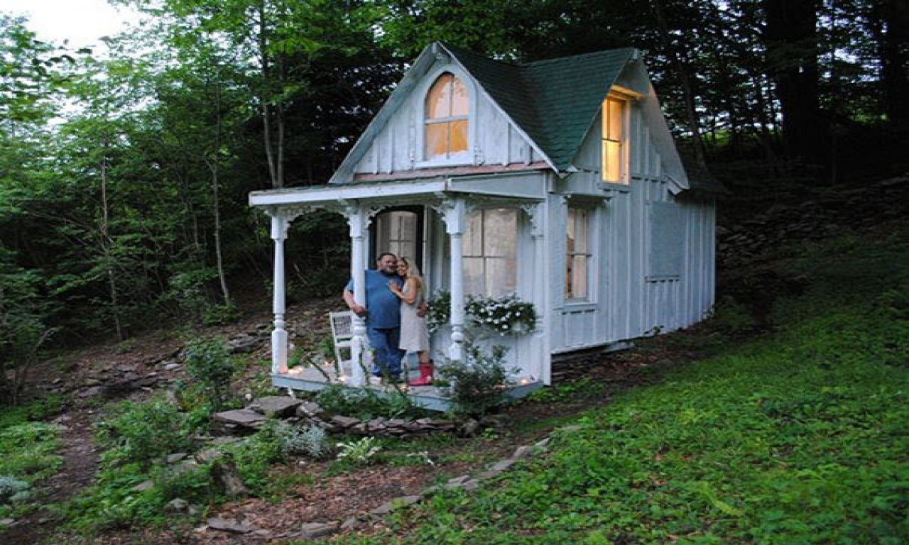 Tiny cottage house style tiny cottage guest house tiny for Tiny house cottage style