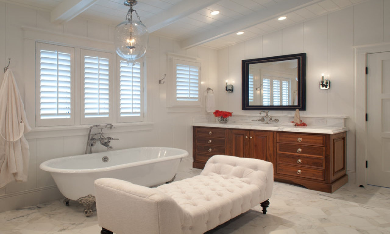 Beach Bathrooms With Beadboard Country Bathrooms With