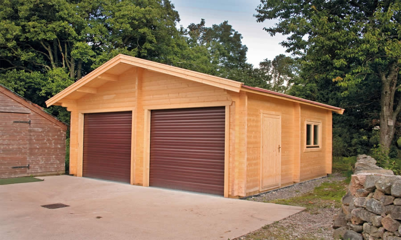Log cabin with garage log garage with apartment plans for Cabin garage plans