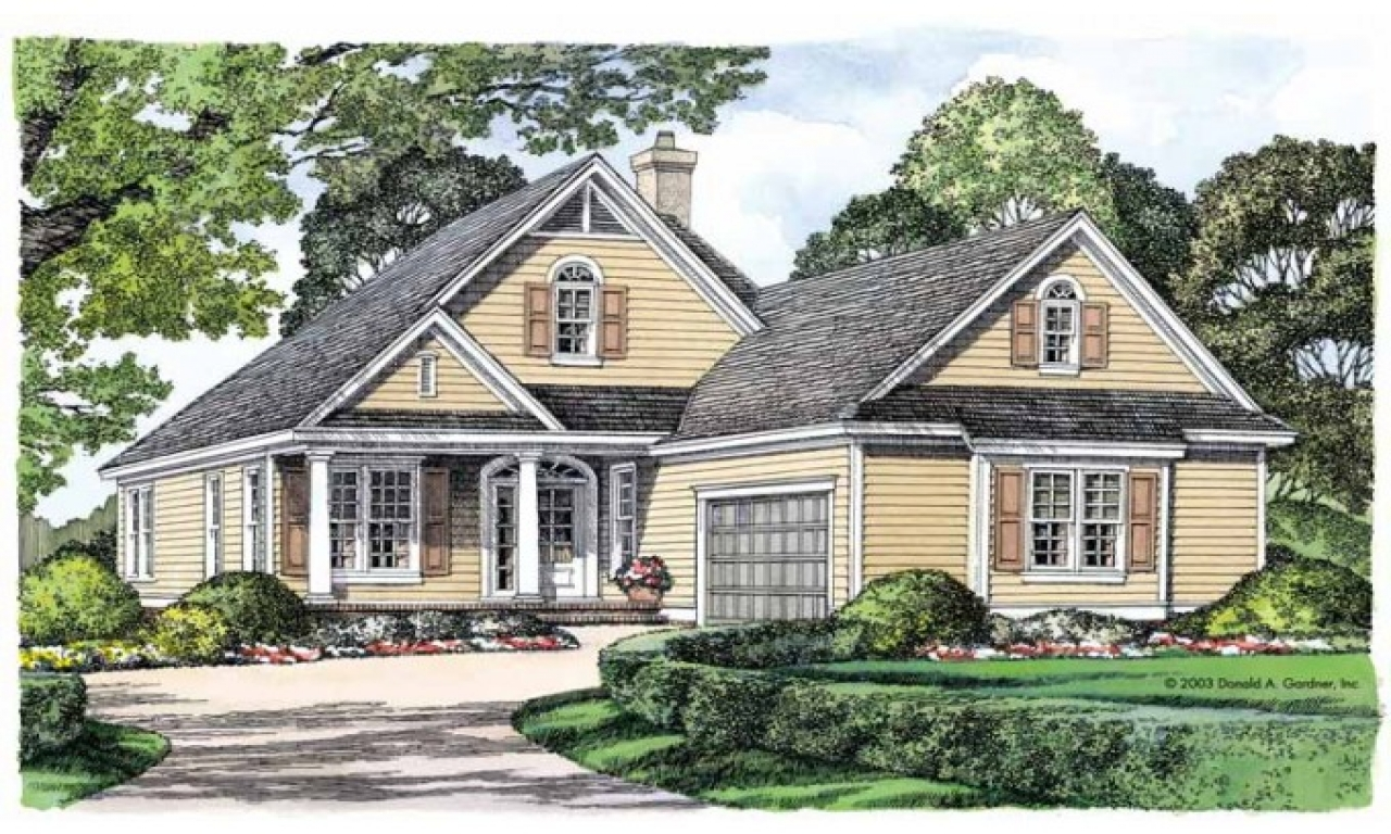 Luxury narrow lot house plans narrow lot house plans with for Cottage home plans with garage
