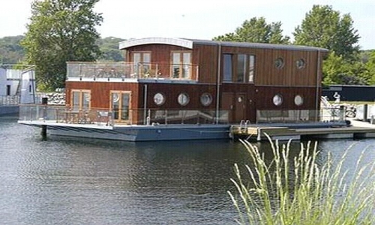 Redneck Houseboat Houseboats For Sale Cool Log Homes
