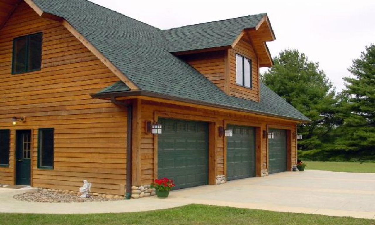 Garage house plans with living space chalet house plans for Chalet house plans with garage