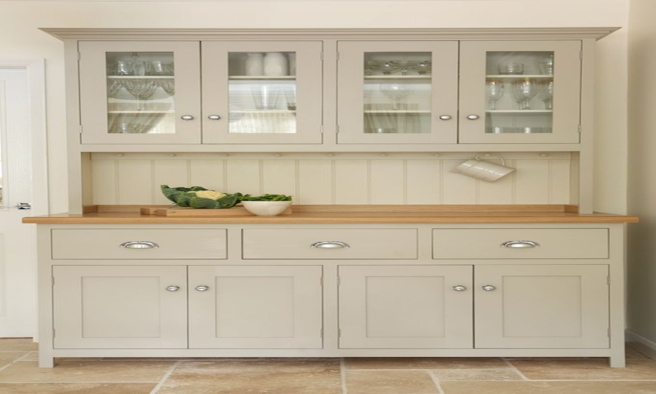 Kitchen with shaker cabinets white shaker style kitchen for Shaker style house plans
