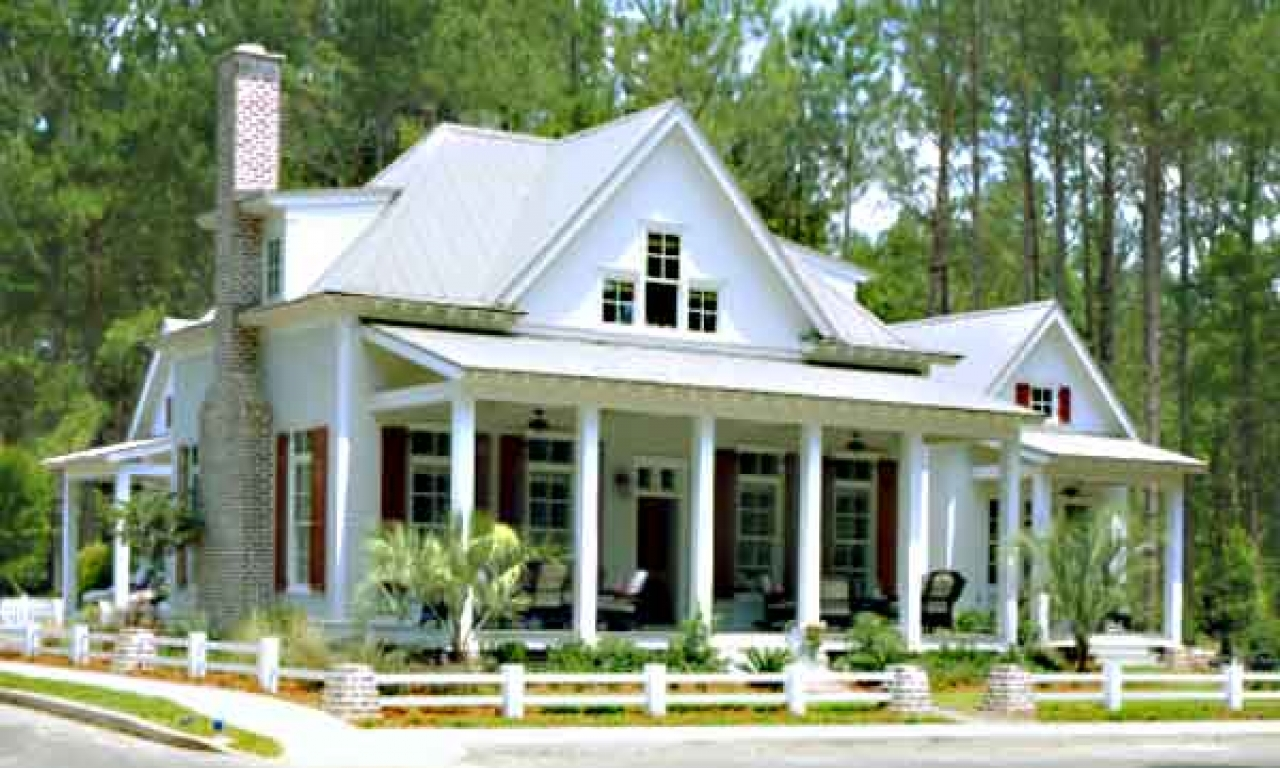 Farmhouse southern living house plans house plans southern for House plans with guest houses southern living