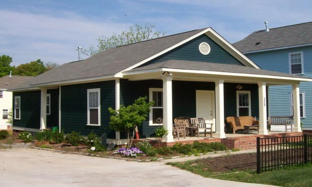 Single story craftsman bungalow house plans one story for Craftsman style flooring