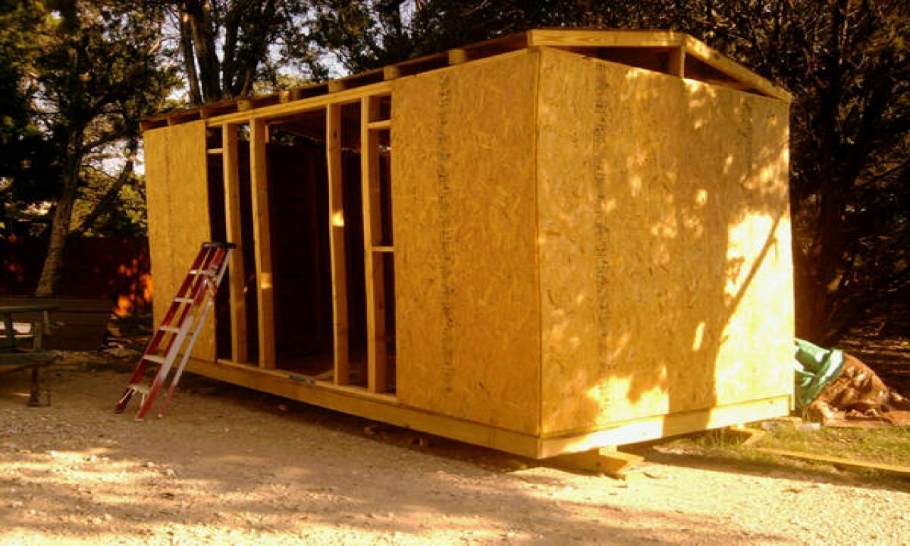 Build cheap hunting cabin portable hunting shacks for Building a cottage on a budget