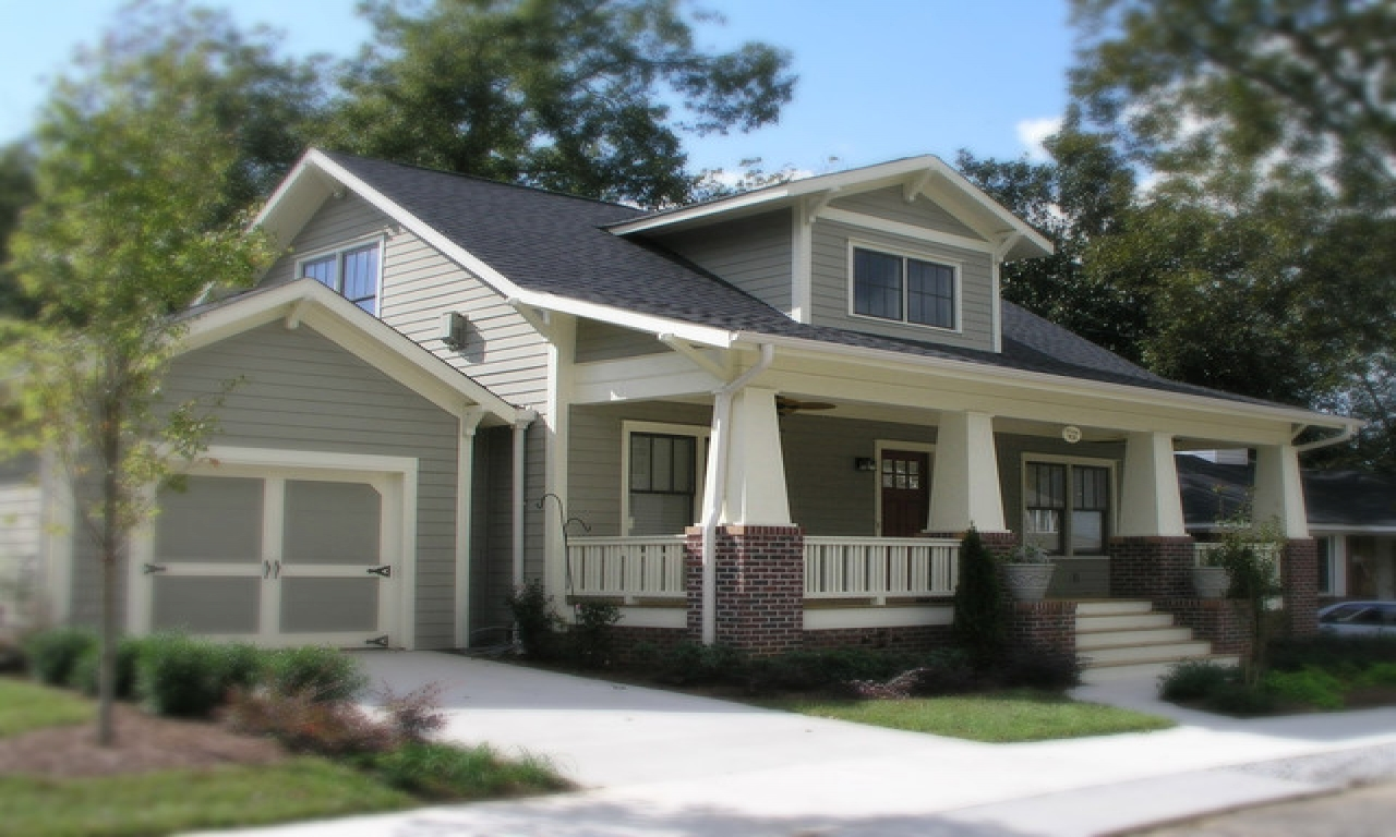 Traditional craftsman bungalow colors craftsman bungalow for Traditional craftsman style house plans