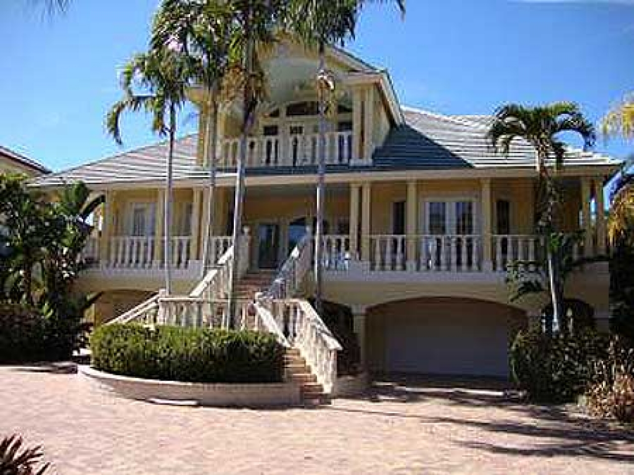 Beach cottage floor plans beach house plans for homes on for Island house plans on pilings