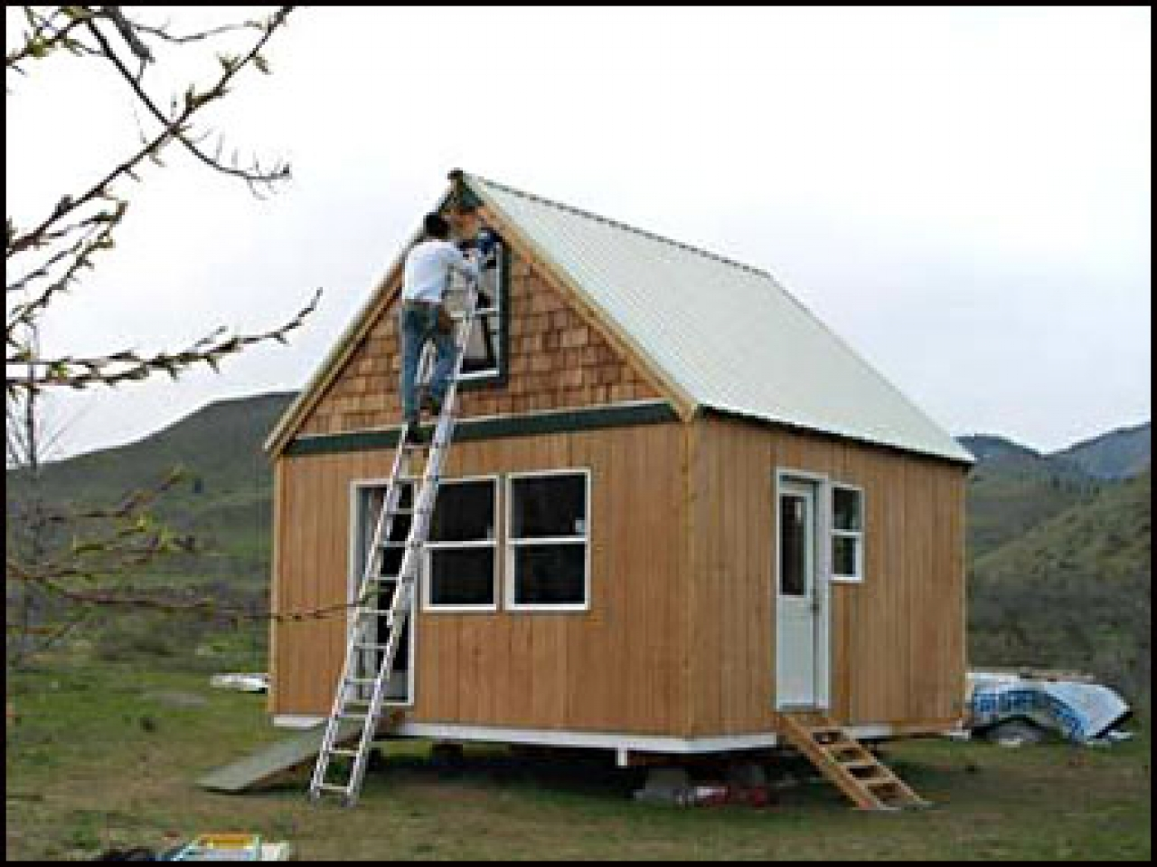 Log cabin floor plans small cabin building plans little for Small easy to build cabin plans