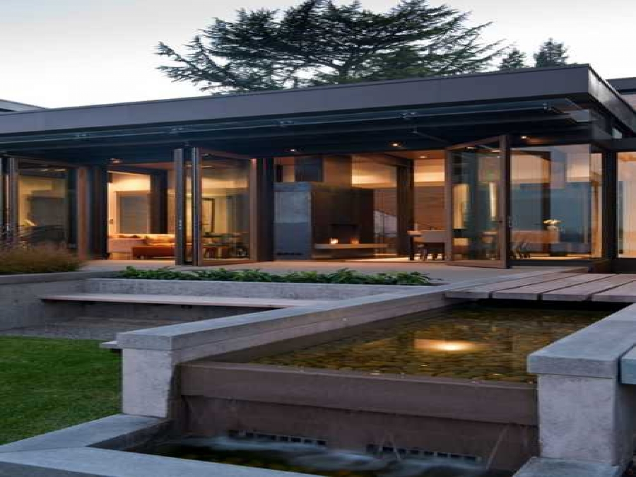 Modern house design with water feature modern small house for Modern house features
