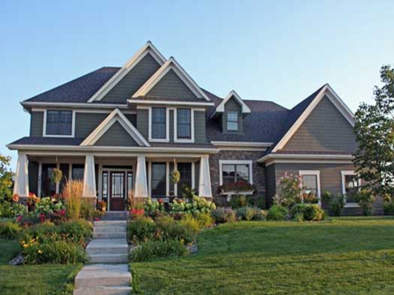 2 story craftsman style house plans craftsman style with for Affordable craftsman house plans