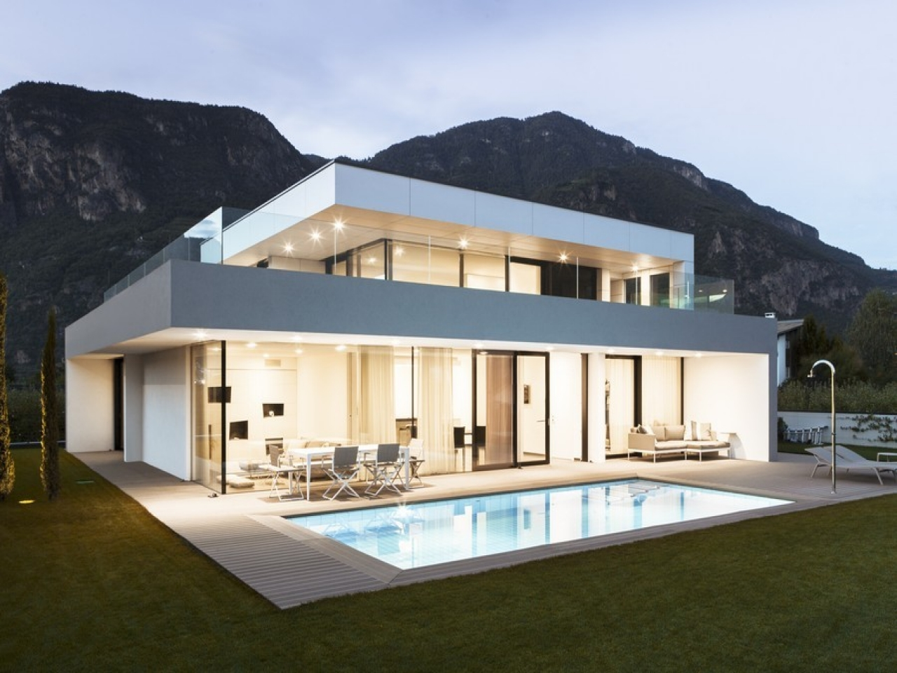 Modern japanese house design modern house design in italy for Design interni case moderne