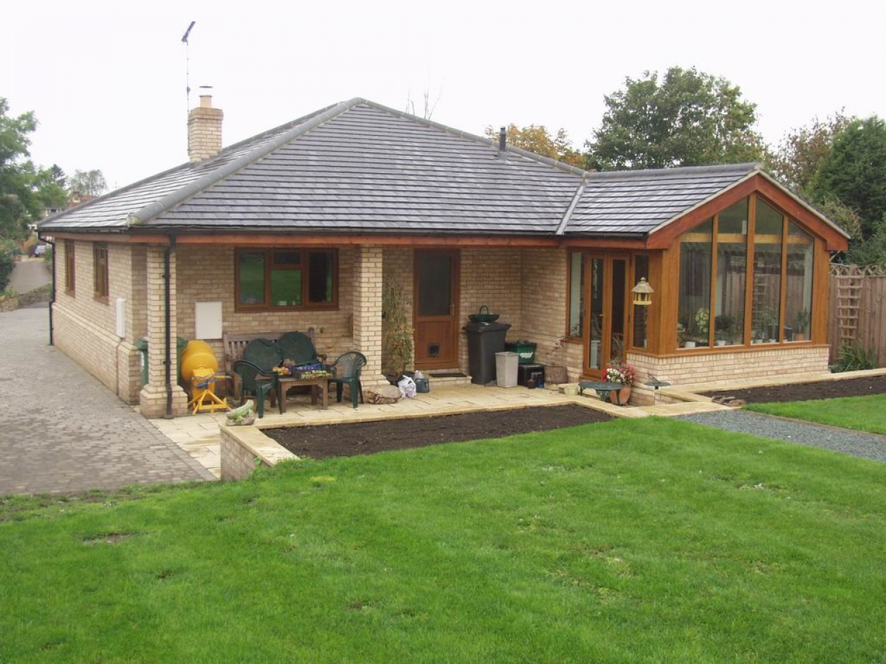 Cottage bungalow homes cottages and bungalows images of for Cabins cottages and bungalows