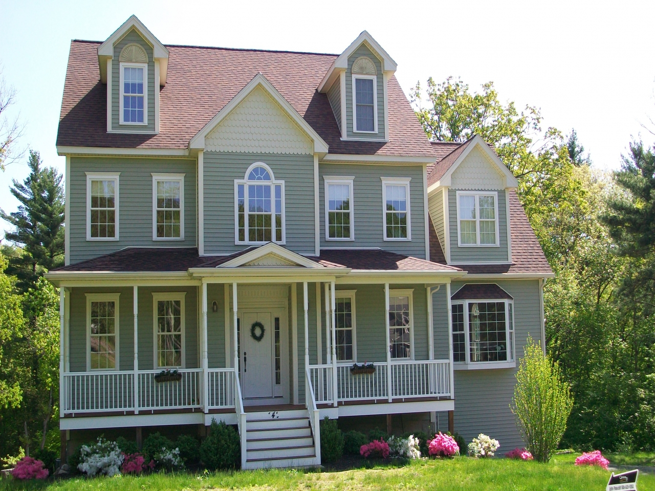 New england colonial homes old colonial homes new england for Colonial home builders