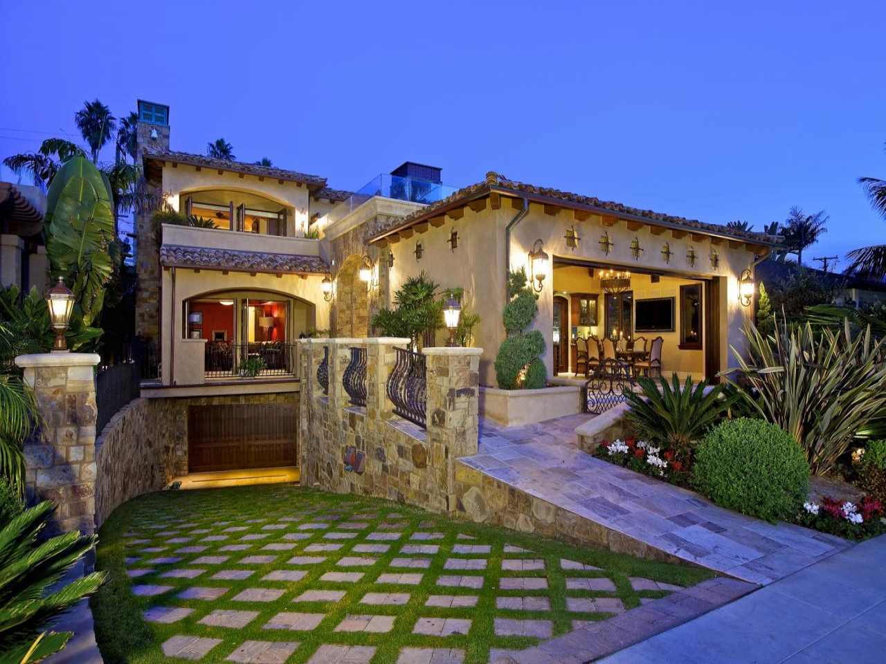 Mediterranean tuscan style home mediterranean style home for Style at home