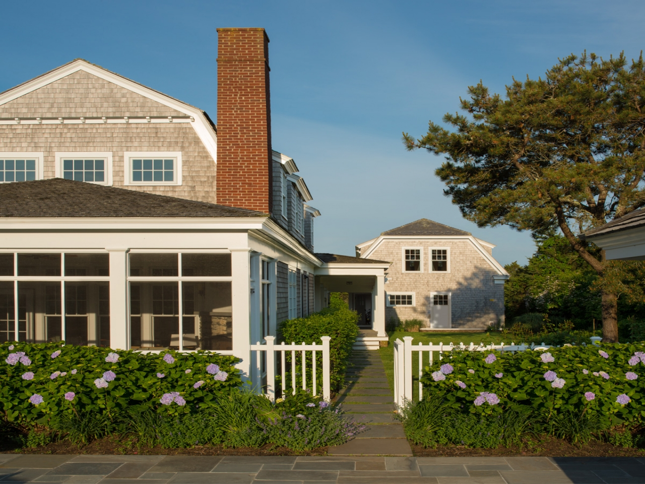 Modern shingle style new england shingle style homes new for New england home builders