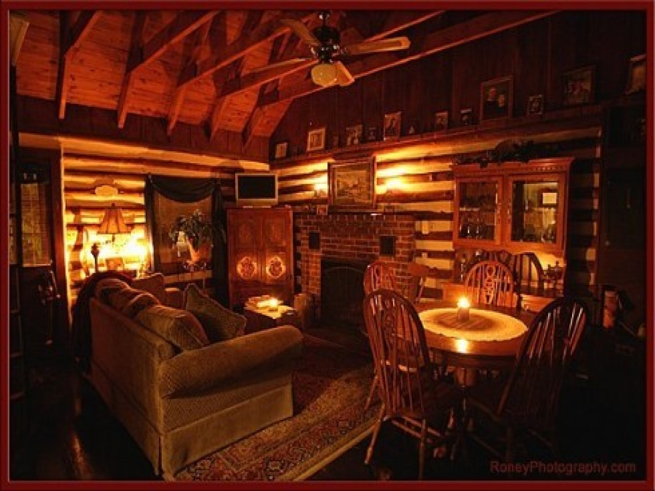 Log cabin home interior luxury log cabin homes small cozy - Interior pictures of small log cabins ...