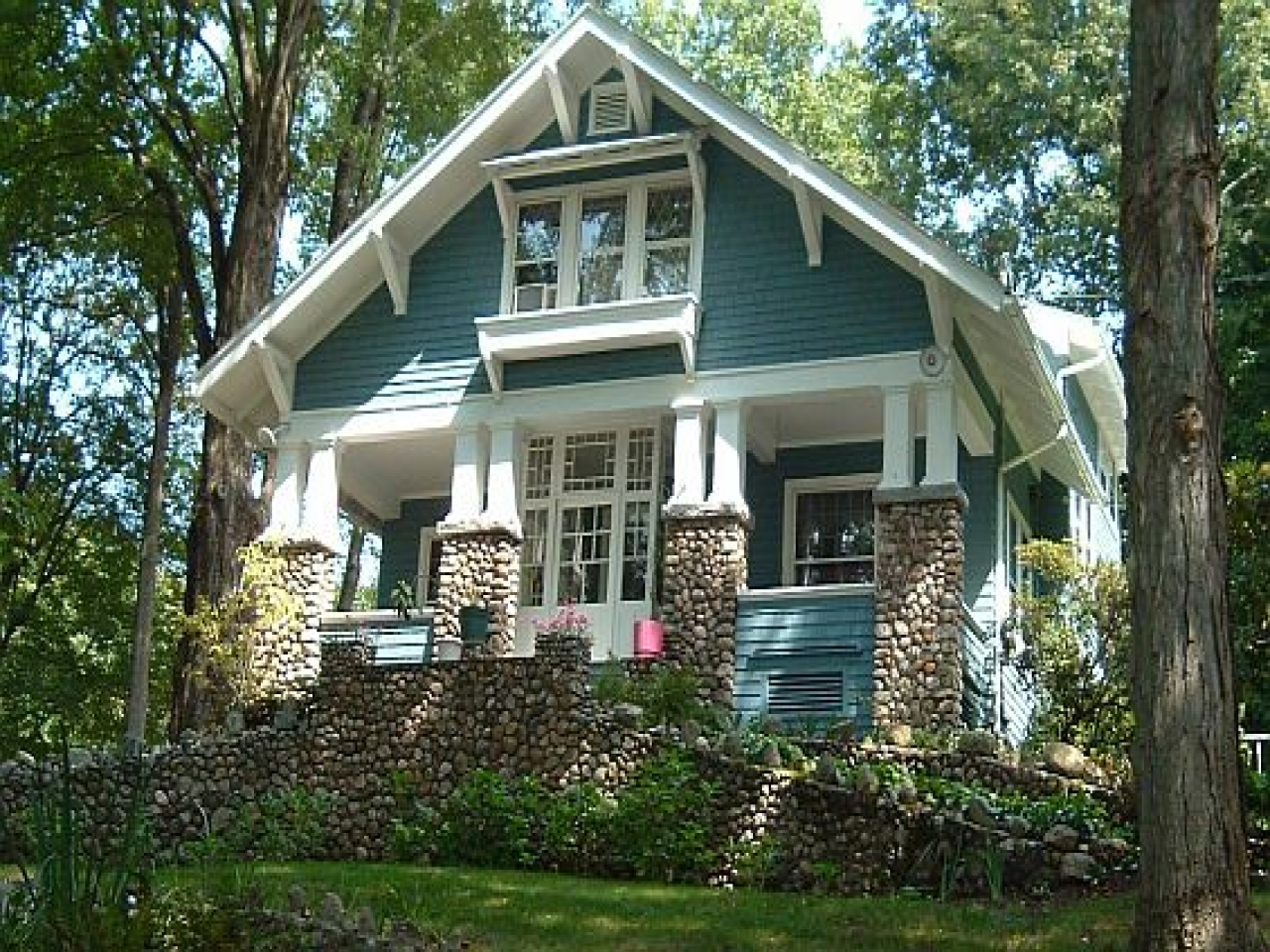 Historic craftsman bungalow houses modern bungalow house - What is a bungalow house ...
