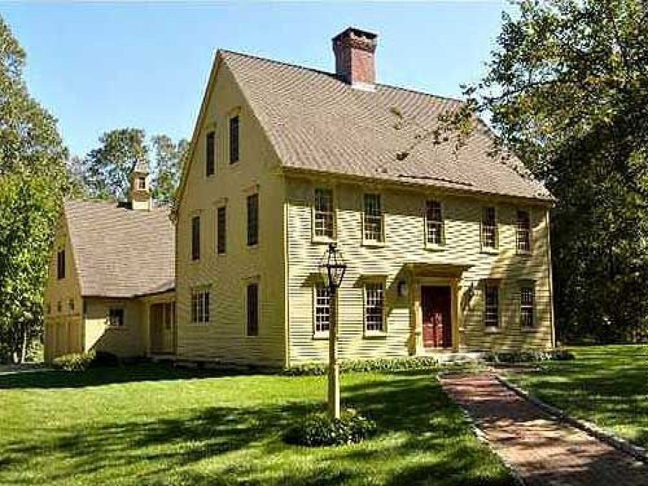 Classic colonial homes house plans old colonial homes for Colonial home builders