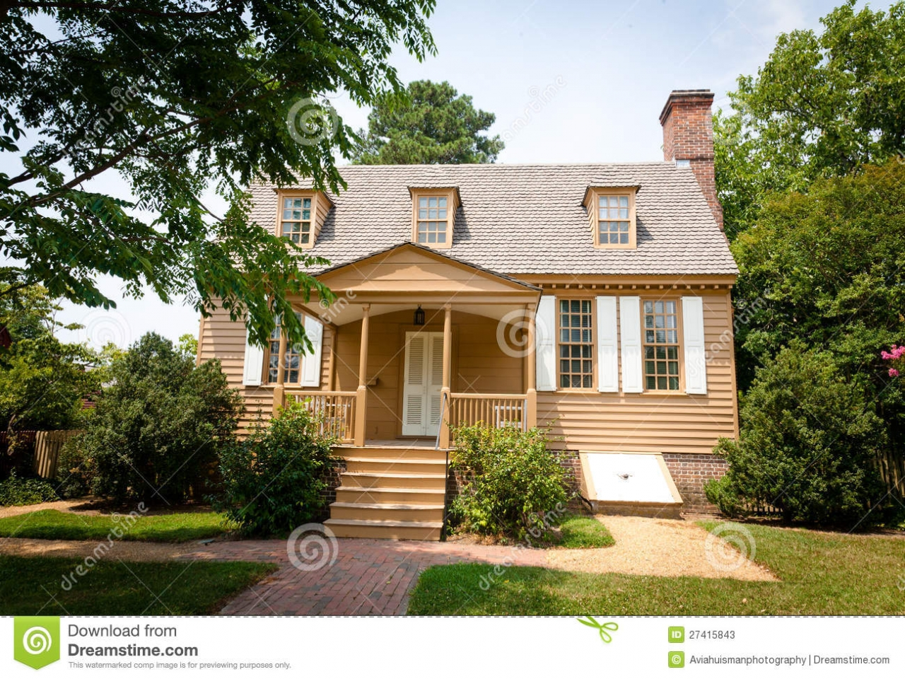 American colonial homes colonial southern house homes in for Homes in colonial america