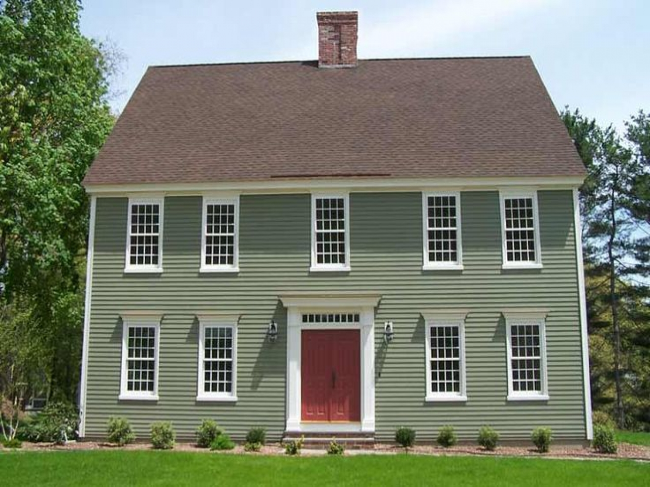 Colonial Home Exterior Colors Cottage Exterior Color