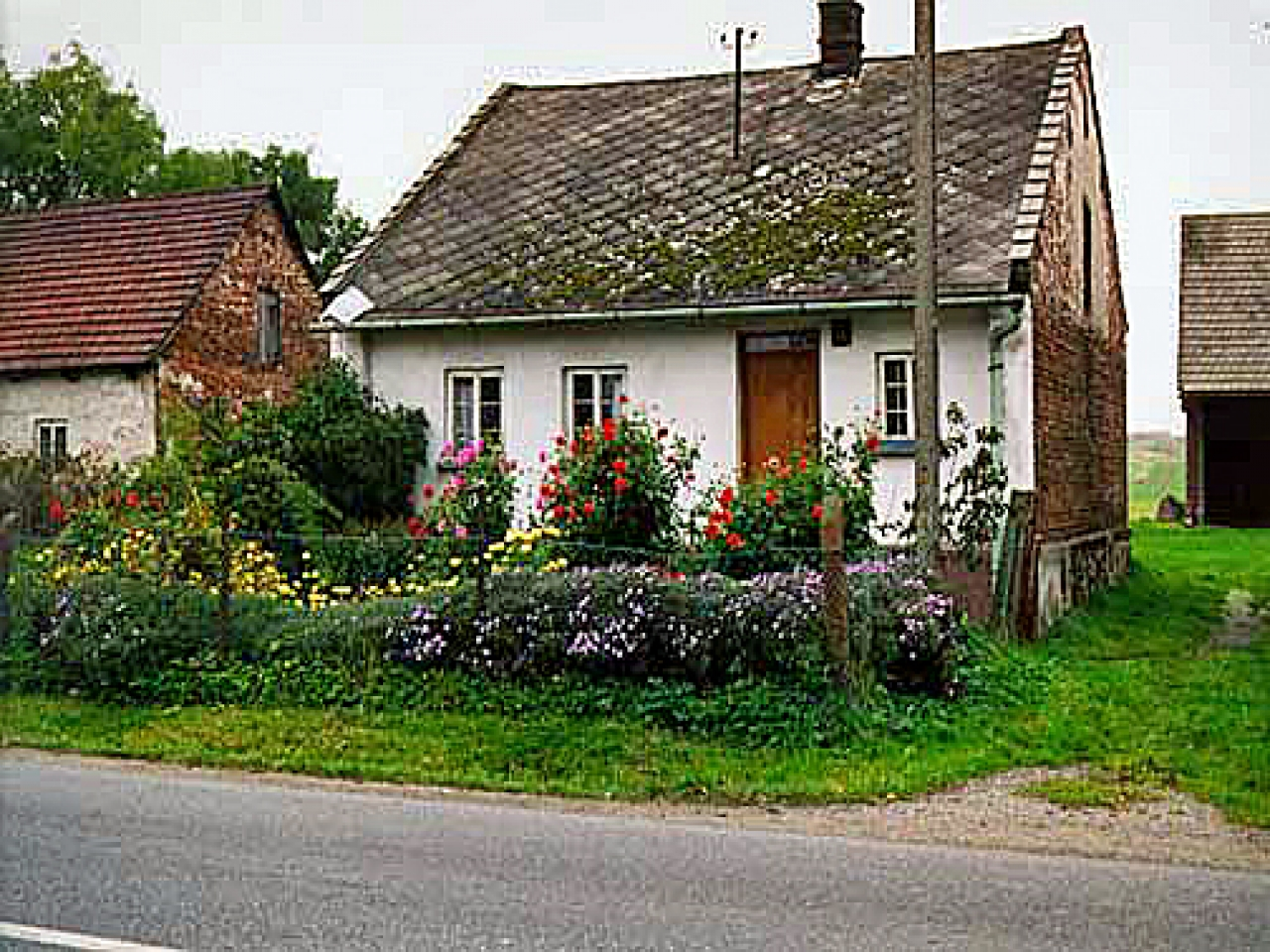 Cottage Garden Brick House Red Brick Cottage Pictures Of