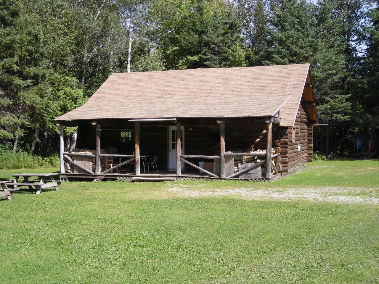 Hunting cabin rentals maine hunting cabins hunting shack for Hunting cabin plans