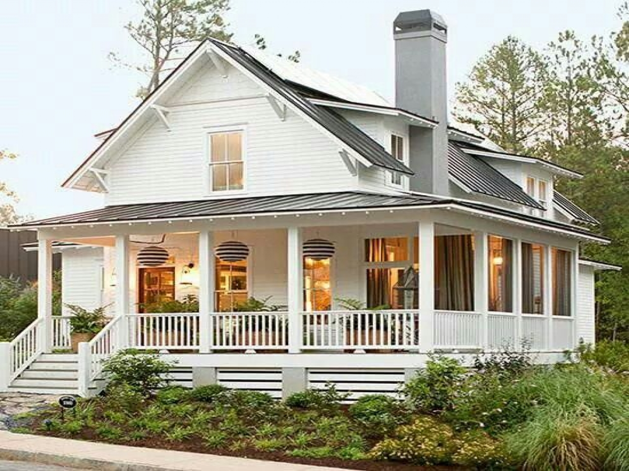 Cape cod house cottage house with wrap around porch tiny for Cape cod cottage style house plans